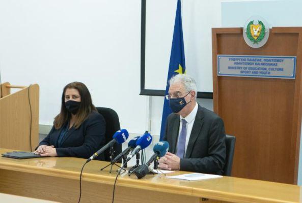 Ο καθηγητής ανακοίνωσε τη βελτίωση των πολιτιστικών δραστηριοτήτων στο ποσό των 4 εκατομμυρίων ευρώ.  Πρόδρομος
